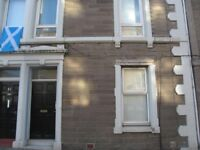 6 Rooms available in Townhouse close to City Centre
