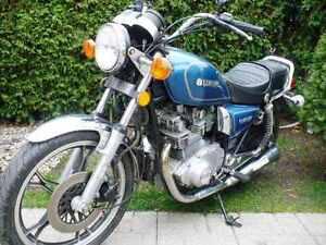 Motocyclette Suzuki 1983