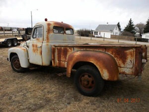 WANTED PARTS OR WHOLE PARTS TRUCK 1953 IHC
