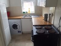 Double & Single Rooms to Let in Town Centre with All Bills Included