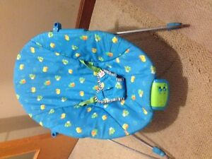 BABY VIBRATION & MUSIC SOUND CHAIR $10 of new batteries