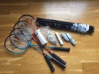 SET of 4 Badminton raquets, 3 balls and a net