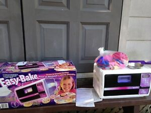 Easy bake over come with everything even the instructions Belleville Belleville Area image 2