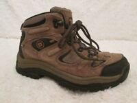 TREKING/WALKING BOOTS Size 4 (EXCELLENT CONDITION)