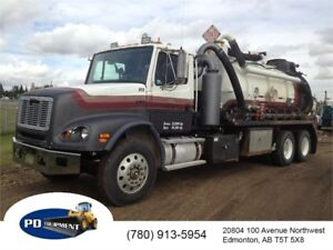 1998 Freightliner F112 T/A Vacuum Truck