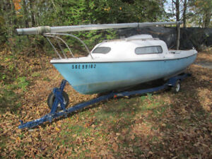 Siren 17 Sailboat with trailer