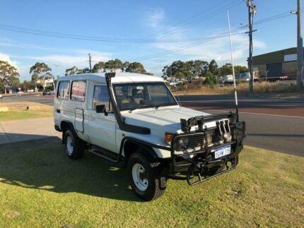 1991 Toyota Landcruiser HZJ75RV (4x4) 11 Seat White 5 Speed Manual 4x4 TroopCarrier
