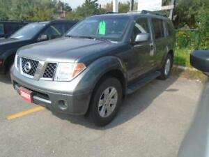 2007 Nissan Pathfinder LE  -- CLEAN CARPROOF--LEATHER--7 passang