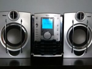 RCA Bookshelf System with 128MB MP3 Player
