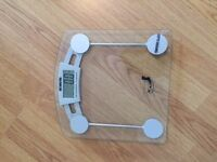 New scale for sale, only £10