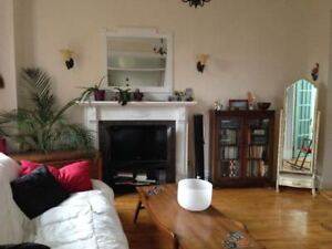 Bright furnished Mile End 4 1/2 sublet Sept 1 -April 30