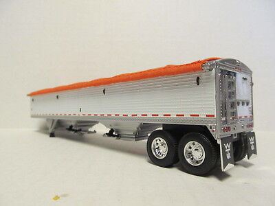 DCP 1/64 SCALE WILSON GRAIN TRAILER (HOPPER BOTTOM)  WHITE  WITH ORANGE TARP 3