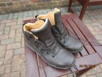 Berghaus/Brasher Superlite II GTX size 10 walking boots. As new.