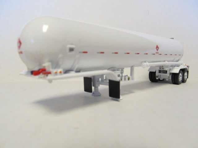 DCP 1/64 SCALE  PROPANE (1075) TANK TRAILER (BOTTLE) WHITE (TRAILER ONLY)