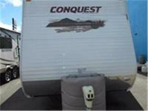 WOW!!! Conquest Model 32TBR with Rear Bunk Room & 2 Slides.