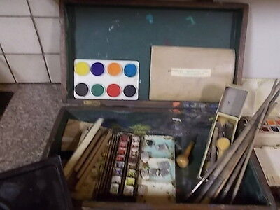 PROFESSIONAL OLD ARTIST BOX WITH CONTENTS