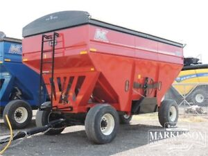 MK Martin 6500 Gravity Wagon - 800 bu, Tarp, REDUCED!