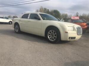 CHRYSLER 300 2006 automatique financement 100%