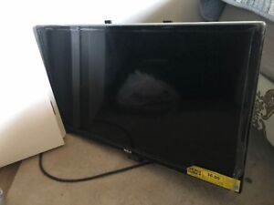 RCA LED TV 29  INCH , LIKE BRAND NEW