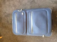 Extra Large Smithsonite Suitcase - Blue (several pockets, etc.)