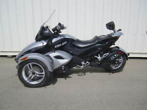 2008 CAN AM SPYDER IN AMAZING CONDITION!