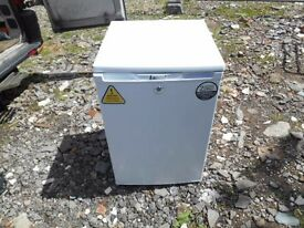 NEARLY NEW LEC LR111, 130 L,MEDICAL/LABORATORY, UNDER COUNTER BASIC SPARK FREE FRIDGE,WHITE RRP £407