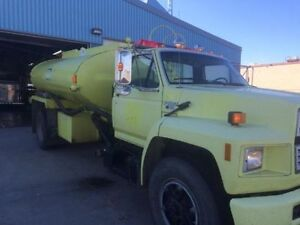 Ford F800 Water Truck