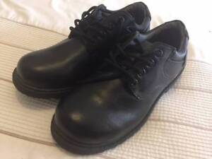 **Near New**Size 5 Urban Supply shoes in excellent condition**
