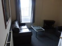 2 bed, top (3rd) floor furnished flat, 13 Marionville Road (Meadowbank)