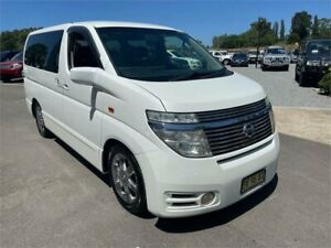 2004 Nissan Elgrand E51 Highway Star White 5 Speed Automatic Wagon Elderslie Camden Area Preview