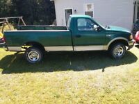 f150 2000 4x4 complete truck for parts $950 *want gone*