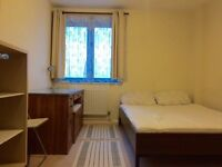 Bright & Spacious rooms available for rent in North London (Zone 3)