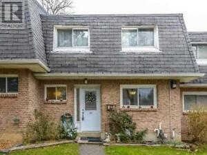Highly Demand Townhome,3+1Br,2Wr,2050 UPPER MIDDLE RD,Burlington