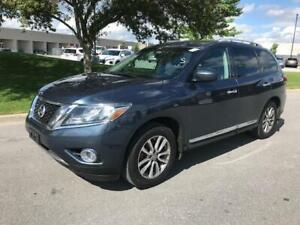2014 NISSAN PATHFINDER 4X4|ACCIDENT FREE|1 OWNER|BACK UP CAMERA!