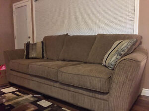 Super comfy sofa and arm-chair in a very good condition