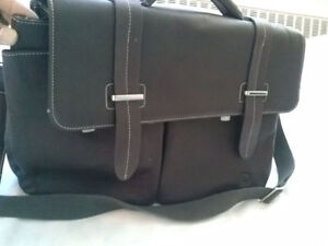 Stylish High Quality Leather Bag/briefcase - Danier Store - New