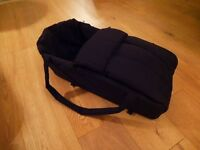 Phil & Teds carrycot / cocoon