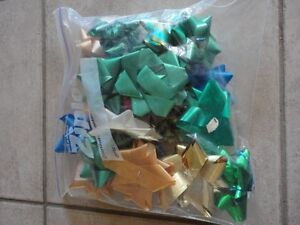 Xiploc bag full of assorted coloured gift wrapping bows London Ontario image 1