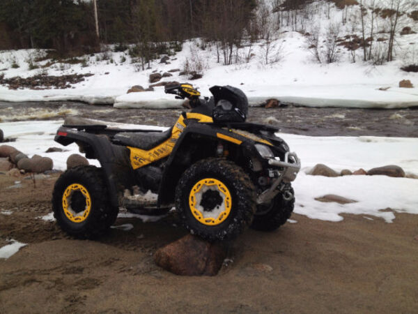 2011 Can-Am Outlander XXC