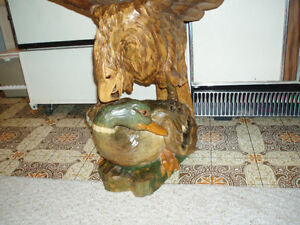 Beautiful Hand carved wooden Bald Eagle on Duck Cambridge Kitchener Area image 5