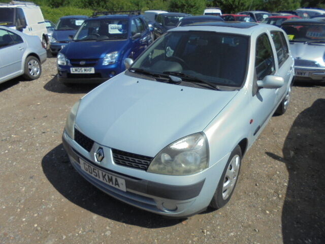 Renault Clio 1.5 DCI 65 EXPRESSION PLUS, LOW MILES, £30 ROAD TAX (silver) 2002