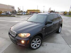 2007 BMW X5 4.8I *7 PASSENGER,LEATHER,PANORAMIC ROOF,DVD!!!*