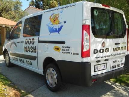 SPLASH HOUNDS DOG WASH