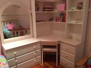 Girl's bedroom furniture Kelvin Grove Brisbane North West Preview