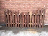 Concave Top Picket Fence Panels 2FT/3FT/4FT Round Top/Pointed Top