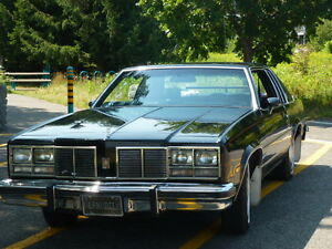 PRIX REVISE  Oldsmobile Delta 88 Royal 1977