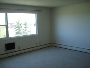 WEST HILL- NEAR SAFEWAY  $750 AVAILABLE NOV 15