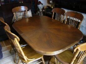 OAK TABLE & 4 CHAIRS & 2 CARVERS