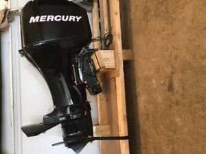 2007 Mercury 60 Hp 4 stroke motor - For parts only