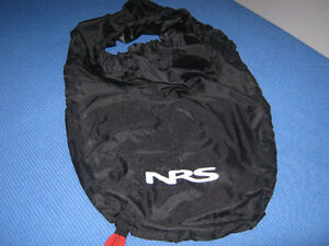 Jupette NEUVE de kayak de mer, large, marque NRS, prix d'aubaine